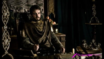 09 Renly Baratheon played by Gethin Anthony