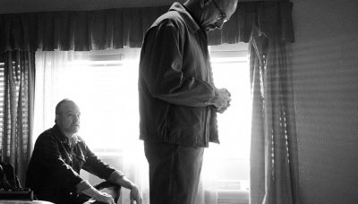 Lawson (Jim Beaver) and Walter White (Bryan Cranston) in Episode 2