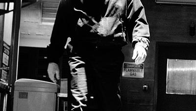 Walter White (Bryan Cranston) in Episode 4