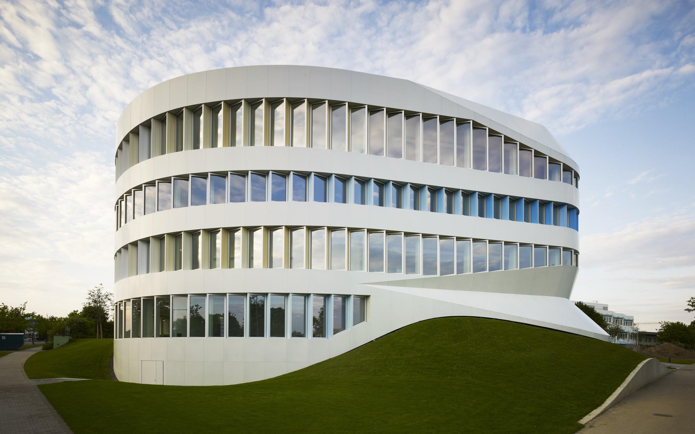 Centre for virtual engineering unstudio the superslice for Un studio architecture