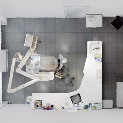 "Untitled (Dentist) 2009, 100 x 128 cm (39 x 50"")"
