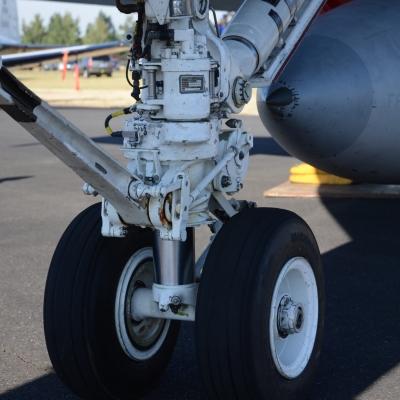 03 landing gear detail