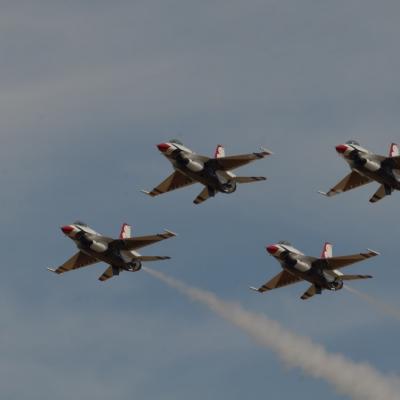 142 U.S. Air Force Thunderbirds