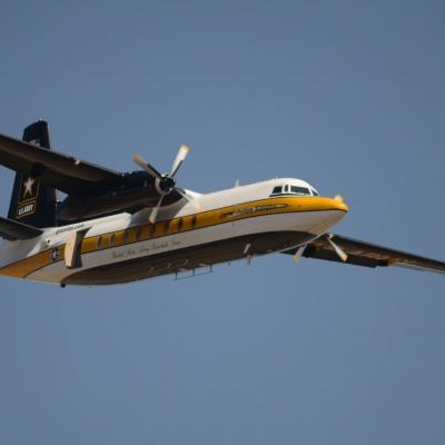 15 U.S. Army Golden Knights Parachute Team - Fokker F27 Friendship