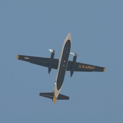 16 U.S. Army Golden Knights Parachute Team - Fokker F27 Friendship
