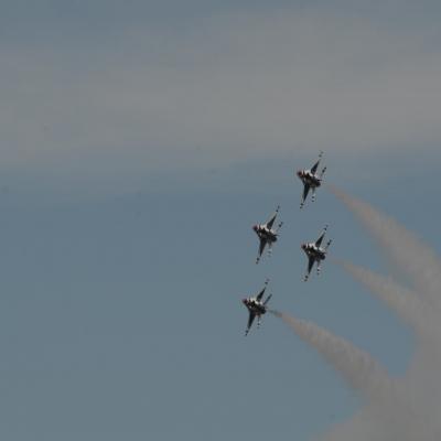 165 U.S. Air Force Thunderbirds