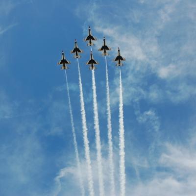 182 U.S. Air Force Thunderbirds