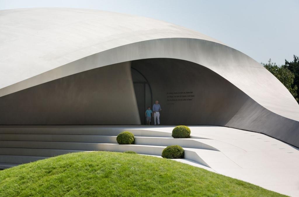 Porsche Driving Experience >> Porsche Pavilion at the Autostadt in Wolfsburg / Henn Architekten / The Superslice