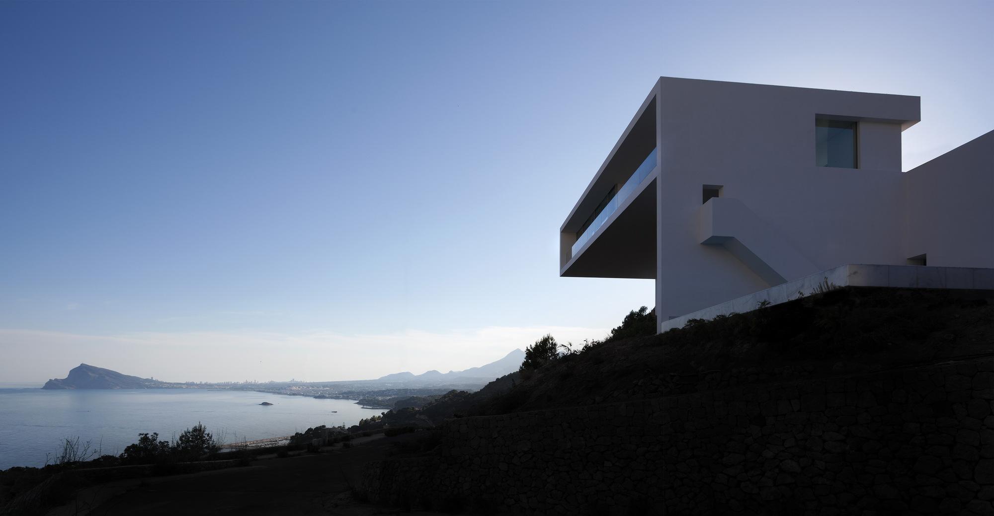 House on the cliff casa del acantilado fran silvestre - Arquitectos en alicante ...