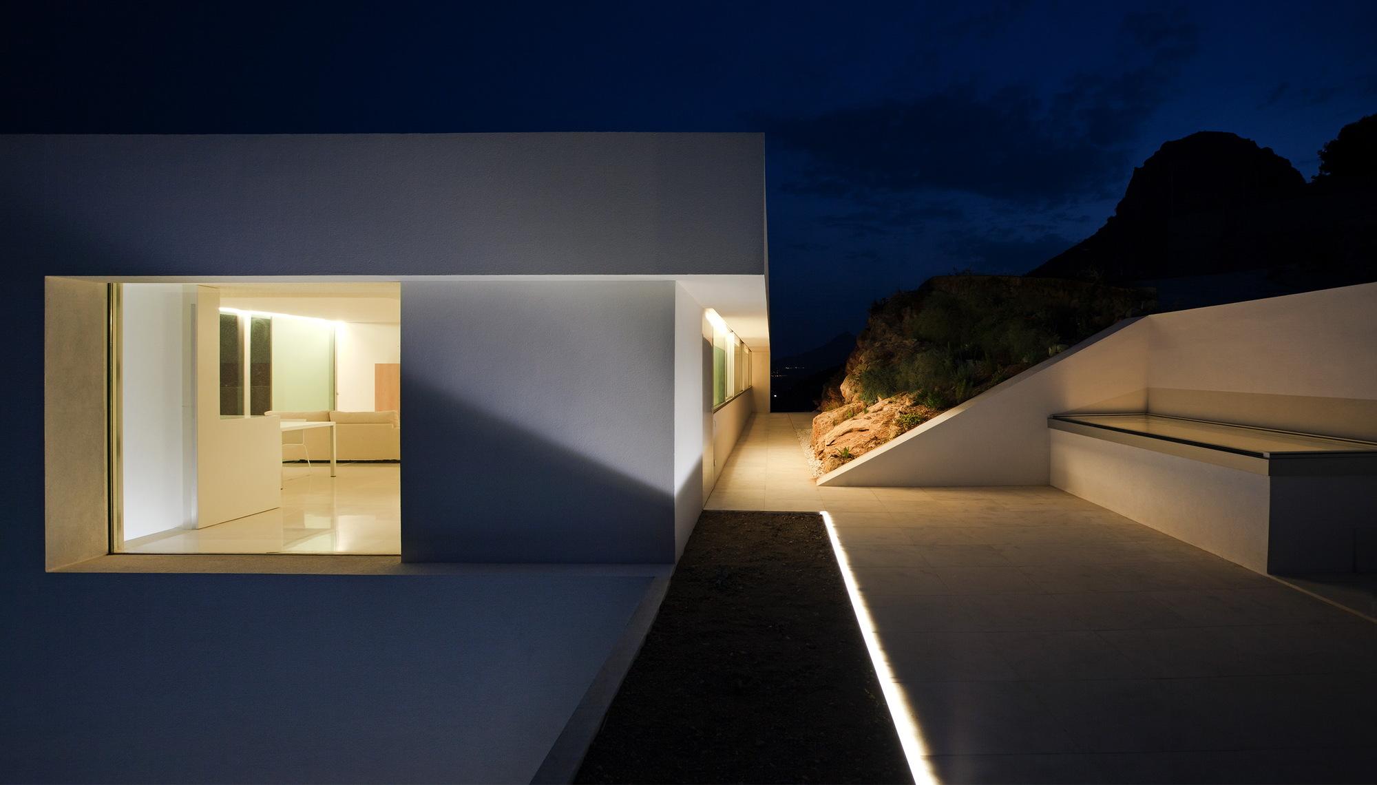 House on the cliff casa del acantilado fran silvestre - Fran silvestre arquitectos ...