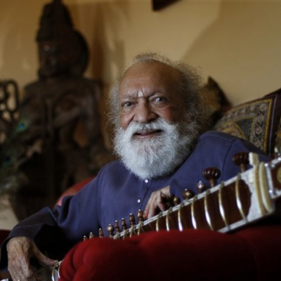 Shankar at his home in the northern San Diego County community of Encinitas last year, March 12, 2012 (Don Bartletti, Los Angeles Times)