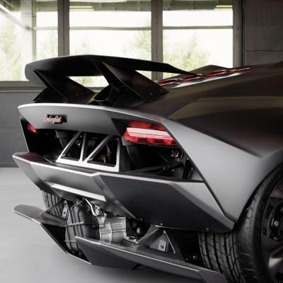 Lamborghini Sesto Elemento 3