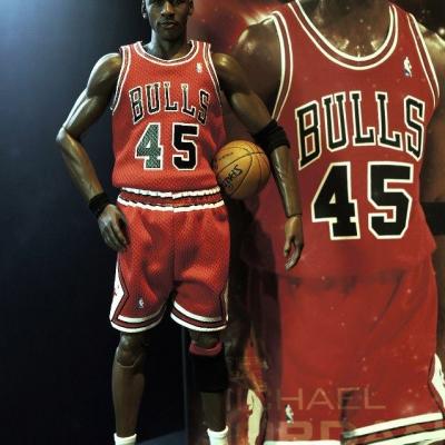 Michael Jordan by Enterbay 29