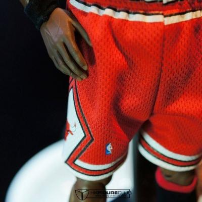 Michael Jordan by Enterbay 32