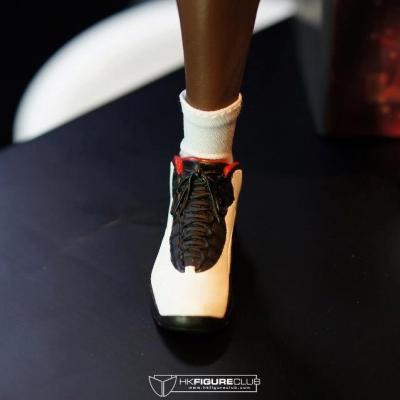 Michael Jordan by Enterbay 33