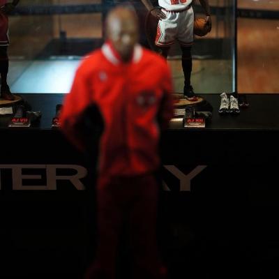 Michael Jordan by Enterbay 38