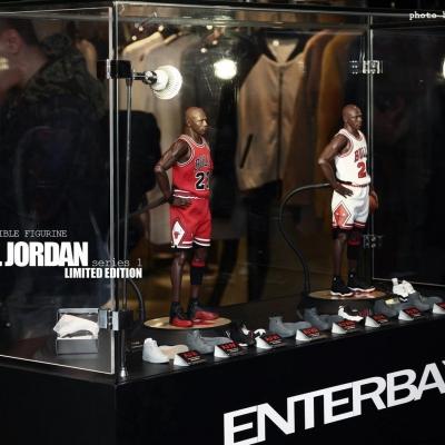Michael Jordan by Enterbay 54