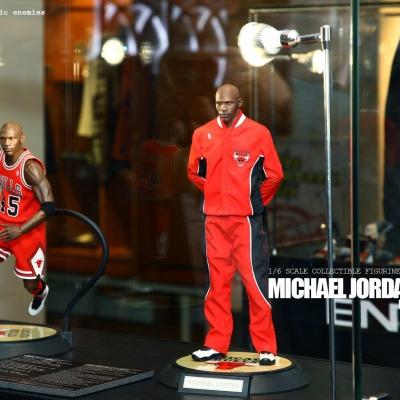 Michael Jordan by Enterbay 55