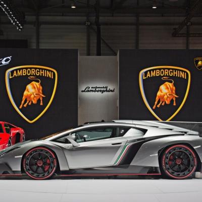 08 Lamborghini Booth - Geneva Motor Show 2013