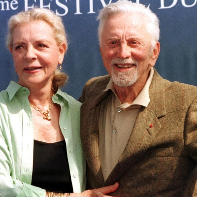 1999 - Bacall and Kirk Douglas (Mychele Daniau)