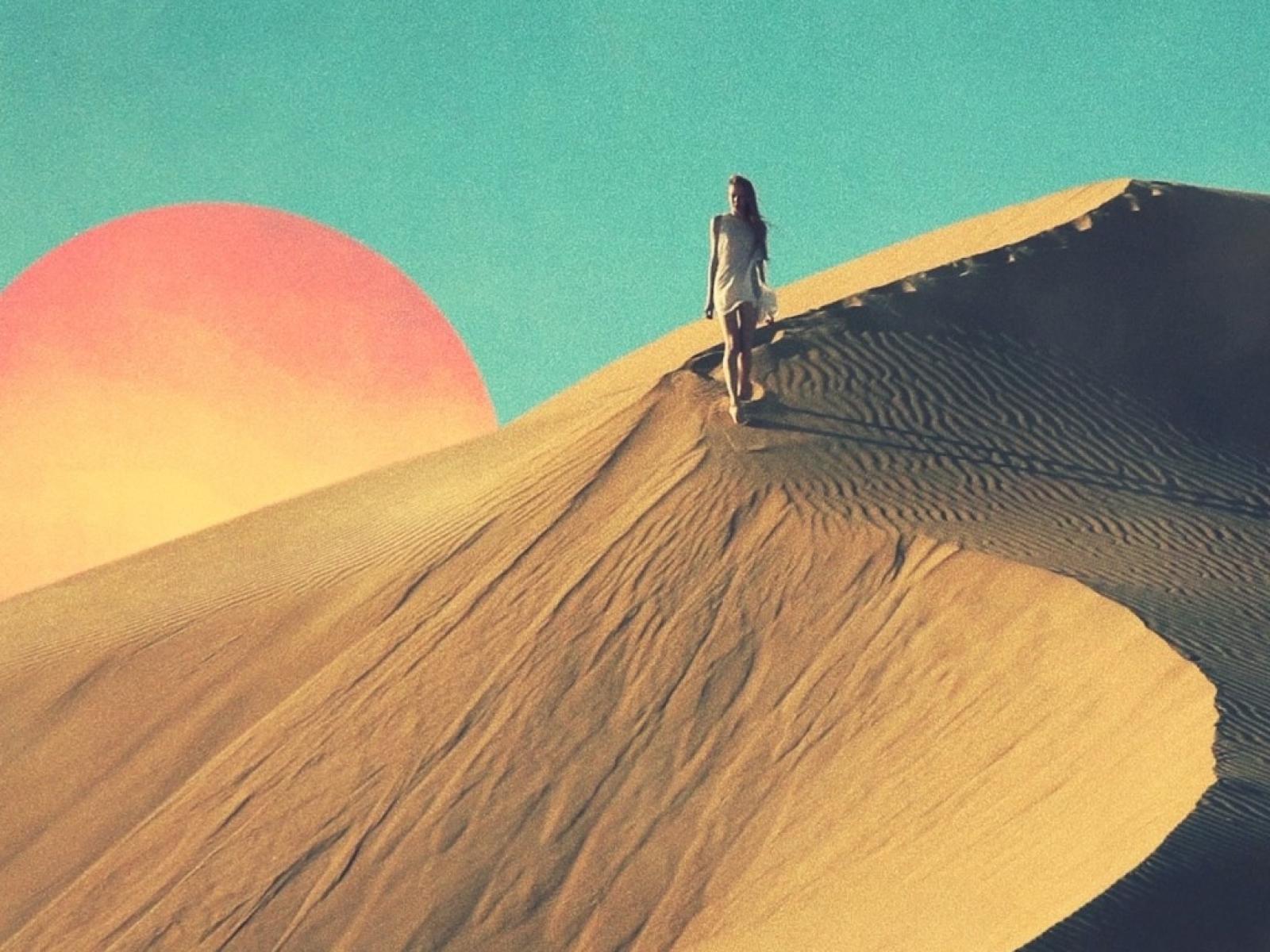 sun_sand_walk_desert_wind_tycho_1366x768_wallpaper_Wallpaper_1600x1200_www.wallmay.net